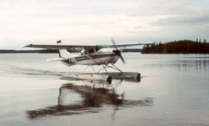 Float_Plane.jpg (15832 bytes)